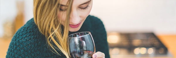 4 Tips to enjoy your Glass of Red Wine while Gambling in Euro Palace Online Casino sniffing - 4 Tips to enjoy your Glass of Red Wine while Gambling in Euro Palace Online Casino